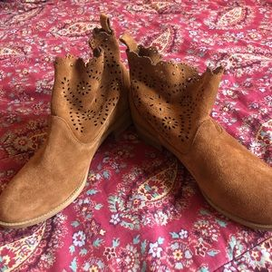 Shoes - suede detailed ankle boots
